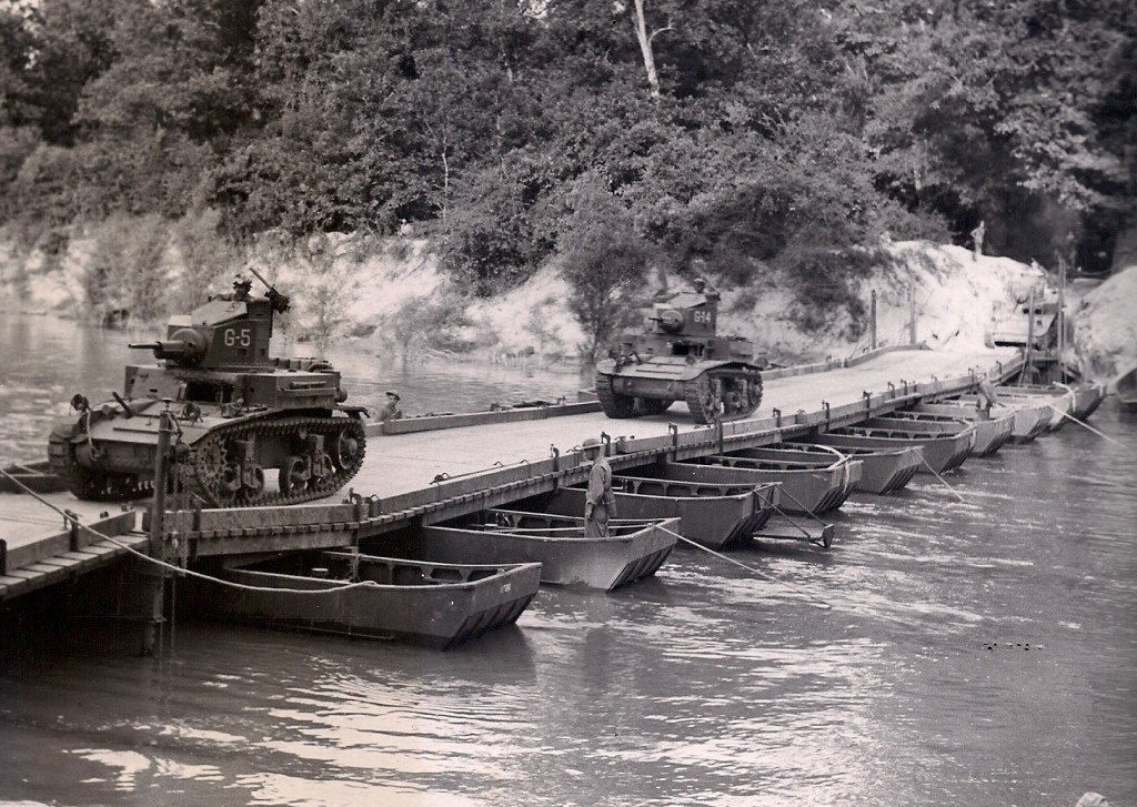 2nd Armored Division tanks crossing the Sabine River west of Converse, La. on a pontoon bridge. (Robertson Collection)